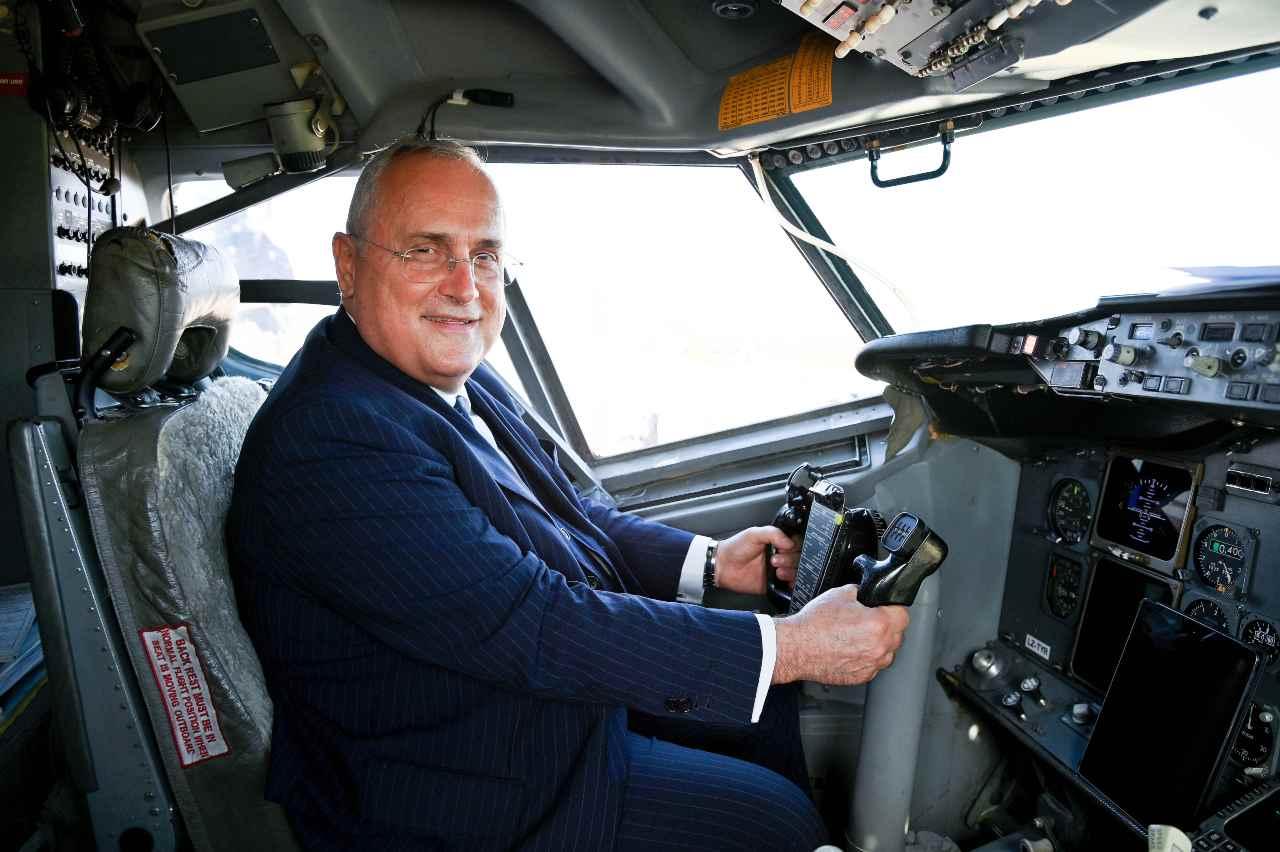 Lazio, aereo: a bordo Claudio Lotito
